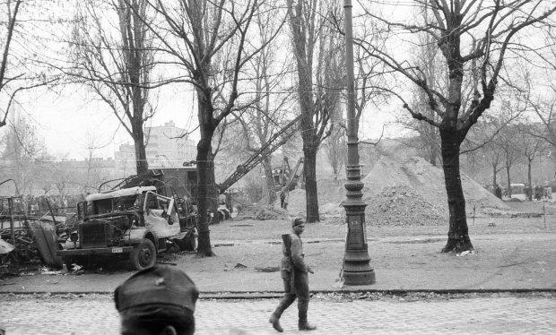 A Köztársaság téri kazamaták utáni nyomozás képei