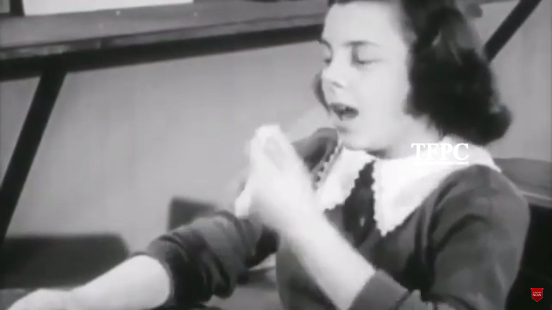 Az 1956-os kisfilm valójában egy modern szatirikus videó a koronavírusról.