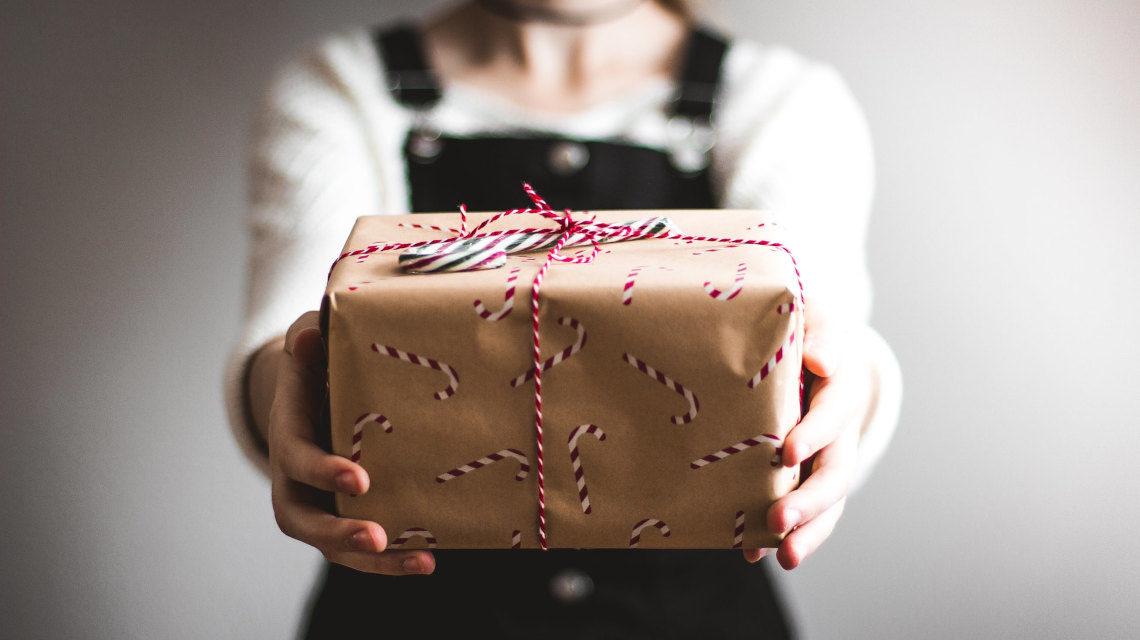 Titkos tesó ajándék.