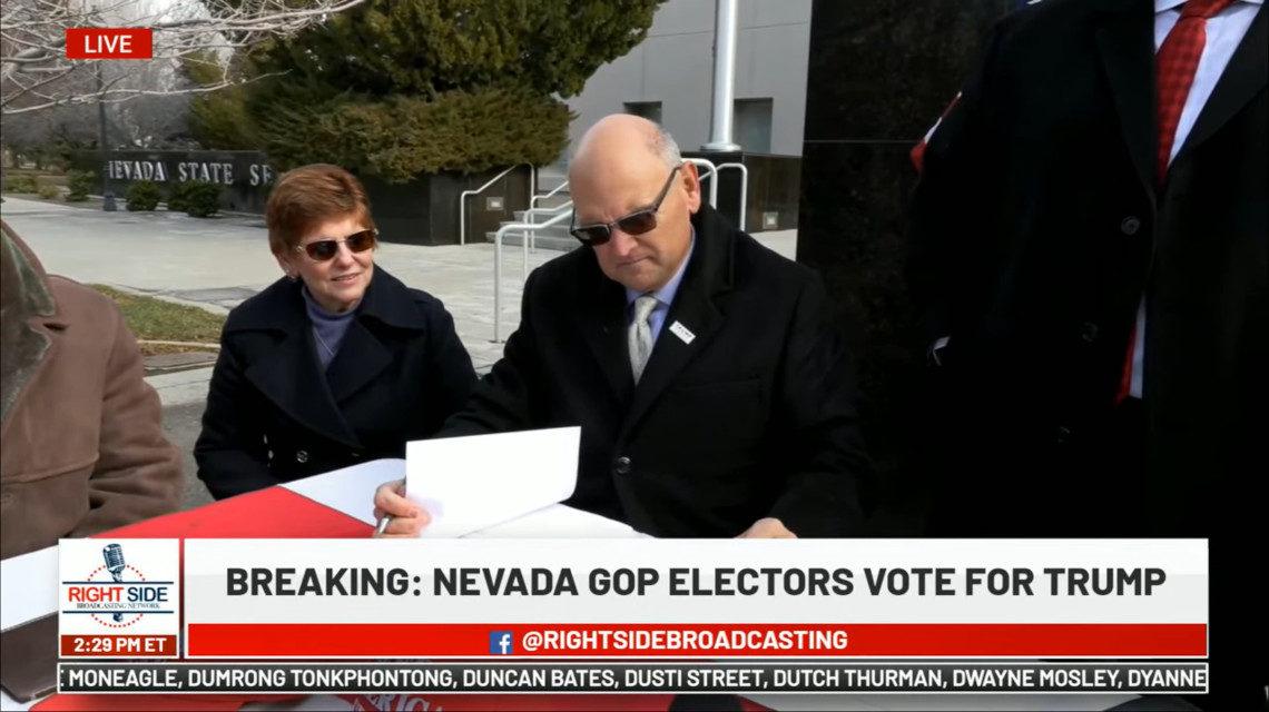 Nevadai elektorok színjátéka.