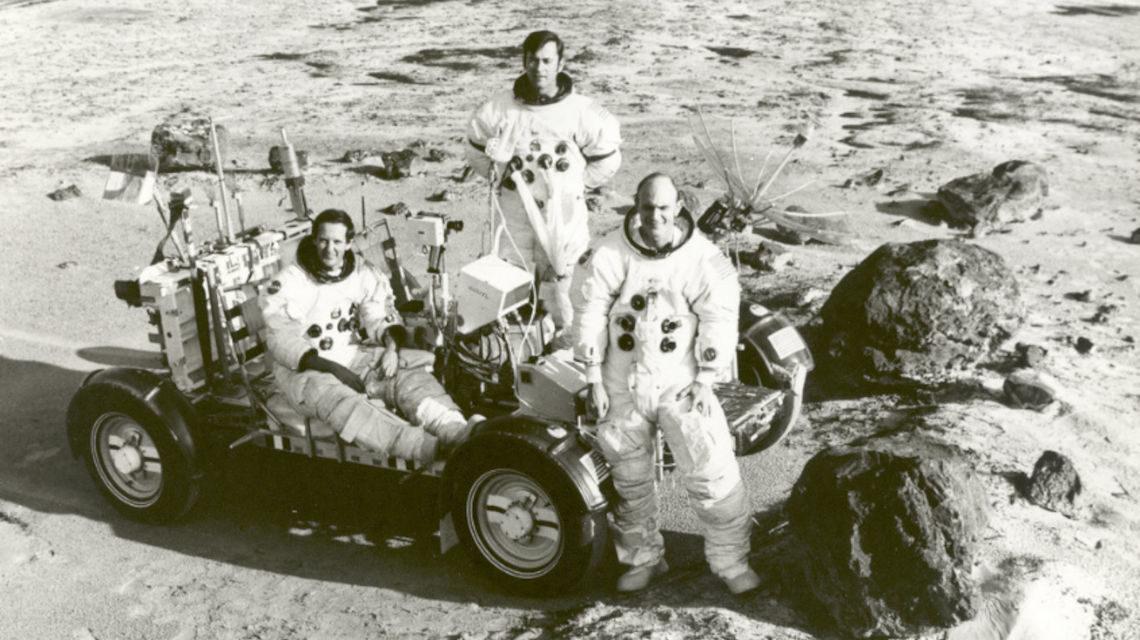 Apollo 16 Holdra szállás