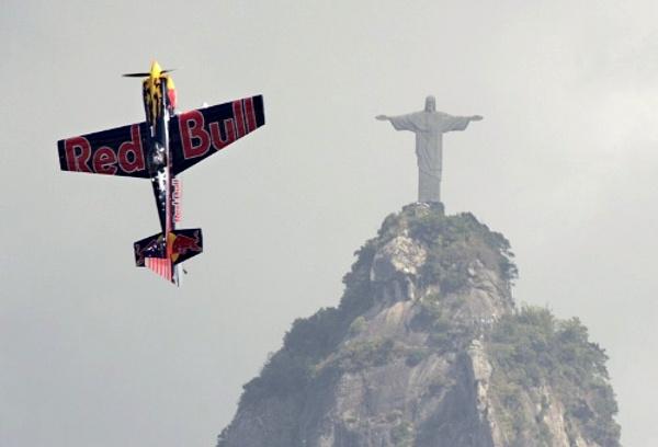 Red Bull repülő Rióban