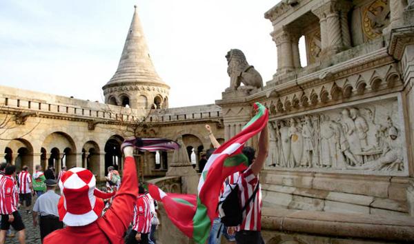 400 eltévedt Atletico-szurkoló Budapesten
