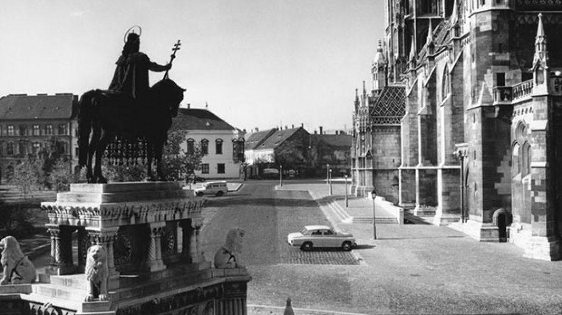 Szent István király szobra
