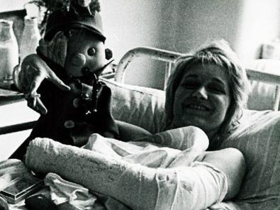 Veszna Vulovics a kórházi ágyán